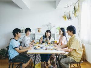 映画『青葉家のテーブル』