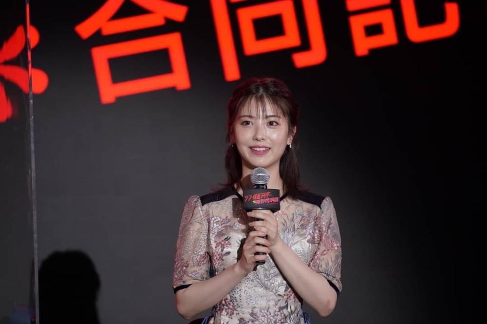 【浜辺美波様】「シン・仮面ライダー対庵野秀明展」合同記者会見